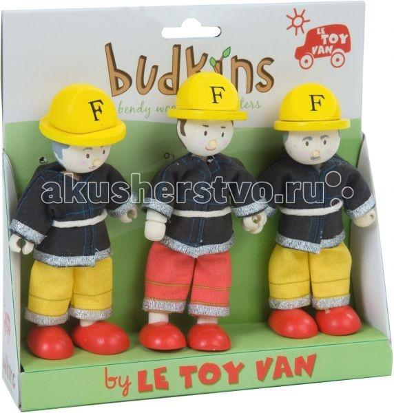 LeToyVan Набор ПожарныеНабор ПожарныеLeToyVan Набор кукол Пожарные.  Среди коллекции миниатюрных дизайнерских куколок серии Budkins, разработанной ведущим производителем деревянных игрушек Le Toy Van, особое место занимают фигурки-профессии.Три забавные куклы со сгибающимися ручками и ножками могут стать отличным подарком для ребенка или же приятным сувениром для взрослого по случаю профессионального праздника. Высота кукол 9 см. Красивая подарочная упаковка.  Одежда выполнена из текстиля: Доктор: бледно-голубая рубашка и темно-синие форменные брюки; белый халат с длинными рукавами; в комплект входит фонендоскоп Медсестра: халат с длинными рукавами в бело-голубую полоску; белый фартук на резиночках с изображением красного креста; белый головной убор с изображением красного креста Пациент: трикотажная футболка с длинными рукавами в полоску; синие джинсы; нога и рука забинтованы, на голове повязка. Тело комбинированное: голова, туловище и ноги выполнены из дерева ножки выполнены в виде ботинок кисти рук пластиковые, с прорезями для того, что бы кукла могла держать предметы подвижность рук и ног обеспечивается за счет крепления из проволоки в тканевой оплетке. Вы сможете подобрать куклу и подарить ее ребенку и даже взрослому. Деревянные куколки с одеждой из ткани. Ручки и ножки гнутся. Индивидуальная подарочная упаковка. Подарок для ребенка, красивый сувенир для взрослого, пополнение для коллекционерa. Каждая кукла по особенному индивидуальна. Одета в очень красивую одежду с аксессуарами и атрибутами.   В куклы можно играть сочетая с игровыми наборами Le Toy Van; размер кукол, форма и дизайн специально разработаны, например: набор кукол Пожарные + Пожарная машина и игровой набор Пожарная станция набор кукол Больница + игровой набор Больница куклы сказочных героев + кукольный замок куклы-пираты + пиратский корабль куклы-рыцари + замок для мальчика с аксессуарами.  Для взрослого человека сувенирная куколка может стать подарком к празднику или встрече. приятный и радостны