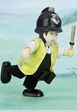 LeToyVan Кукла Полицейский ХансонКукла Полицейский ХансонLeToyVan Полицейский Хансон.  Все мальчишки в детстве мечтают стать полицейским, поэтому каждого малыша обязательно порадует такой оригинальный подарок как кукла «Полицейский Хэнсон» из серии Budkins от британской компании Le Toy Van. Этот известный производитель деревянных развивающих игрушек считает безопасность ребенка основным критерием своей деятельности. Поэтому их продукция изготовлена из исключительно натуральной древесины, сертифицированной FSC.  Забавная и добрая кукла Полицейский Хэнсон, заказать которую можно в интернет-магазине КуклаДом, разнообразит сюжетно-ролевую игру и доставит Вашему ребенку максимум положительных эмоций. Кроме того, эта игрушка может стать нетрадиционным сувениром к профессиональному празднику для взрослого.  Наша компания напрямую сотрудничает с фирмами-производителями детских товаров, поэтому у нас Вы сможете купить понравившуюся Вам игрушку по самой доступной цене.<br>