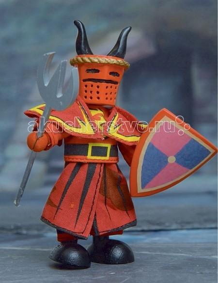 LeToyVan Кукла Красный рыцарьКукла Красный рыцарьLeToyVan Красный рыцарь.  Миниатюрные дизайнерские куколки, более 80 самых разных человечков с индивидуальным характером исполнения.  Королевская семья, волшебники и феи; отважные рыцари и морские пираты, фигурки-профессии футболисты, повар, уборщица, официантка, британский гвардеец и другие; персонажи из истории, фантазийные герои и герои сказок; ангелы, танцовщицы и много других. Смотреть всех героев Budkins.  В куклы можно играть сочетая с игровыми наборами Le Toy Van; размер кукол, форма и дизайн специально разработаны, например: набор кукол Пожарные + Пожарная машина и игровой набор Пожарная станция набор кукол Строители + игровой набор Дорожная техника куклы сказочных героев + кукольный замок куклы-пираты + пиратский корабль куклы-рыцари + замок для мальчика с аксессуарами. Для взрослого человека сувенирная куколка может стать подарком к празднику или встрече. приятный и радостный подарок на 8 Марта или 23 февраля нетрадиционный подарок на день рождение как знак внимания подарок на Новый год волшебных героев из сказок тематический сувенир для профессиональной деятельности пожарные, строители, врачи, учителя, футболисты, охранники Куклу Budkins приятно получить в подарок на любой праздник. Оригинально, очень красиво, вызывает только приятные эмоции и радостное настроение.<br>