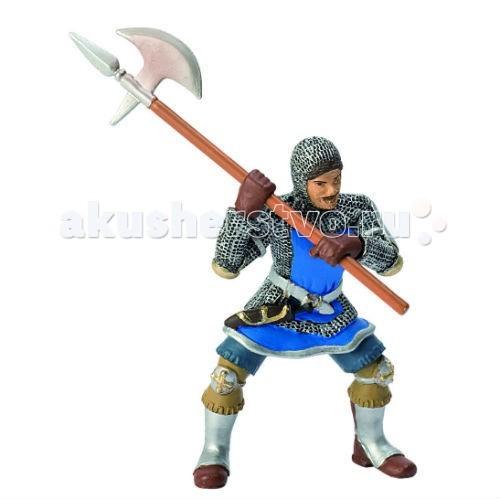 Bullyland Синий рыцарь с секиройСиний рыцарь с секиройBullyland Синий рыцарь с секирой - эта фигурка от компании Bullyland изображает средневекового воина, с секирой в руках. Воин одет в кольчужную броню и выглядит весьма сурово.   Фигурка исполнена очень детально, что позволяет рассмотреть все фрагменты экипировки рыцаря : вот железные наколенники, вот небольшой кинжал на поясе, для ближнего боя, самые наблюдательные могут рассмотреть даже усы у него на лице!   Как и вся продукция Bullyland, фигурка выполнена из безопасных для здоровья ребенка и высококачественных материалов, весь товар прошел обязательную сертификацию.  Рекомендовано для детей от 3 лет.<br>