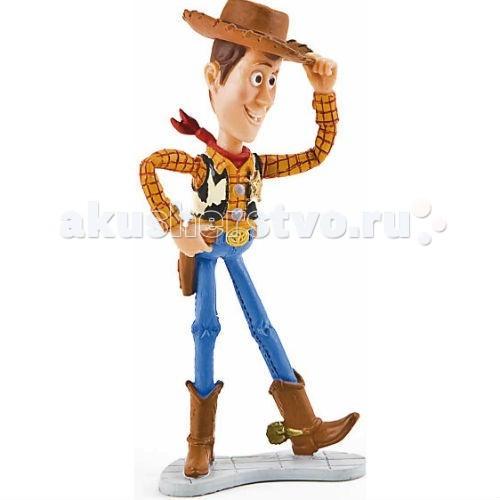 Bullyland История игрушек Вуди 10,5 смИстория игрушек Вуди 10,5 смBullyland Вуди 10,5 см - фигурка Вуди из мультфильма студии Уолта Диснея и компании Пиксар История игрушек. Игрушка-ковбой с веревочкой, за которую нужно потянуть, чтобы он заговорил. Вуди был любимой игрушкой и лидером в детской комнате Энди.   Веселый и неунывающий персонаж в ковбойской шляпе и сапогах.   Игрушка выполнена из высококачественных нетоксичных материалов, безопасна для детей.   Размер: 10,5см<br>