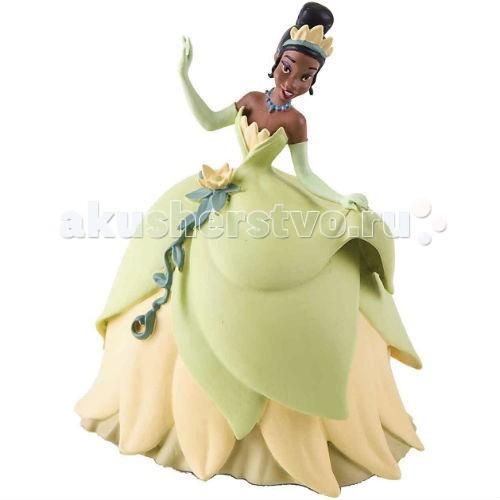 Bullyland Принцесса Тиана 10 смПринцесса Тиана 10 смBullyland Принцесса Тиана 10 см - великолепная фигурка принцессы Тианы в бальном платье из мультфильма студии Уолта Диснея «Принцесса-лягушка». Изначально Тиана не была принцессой. Она – простая темнокожая девушка, упорная и независимая. У нее есть волне земная цель - открыть свой ресторан. По воле случая, Тиана превращается в лягушку, и жизнь ее кардинально меняется.   Фигурка принцессы одета в бальное платье в форме цветка, а голову Тианы венчает корона. Красивая игрушка обязательно понравится маленькой девочке.   Фигурка выполнена из высококачественных нетоксичных материалов, безопасна для детей.  Размер: 10 см<br>