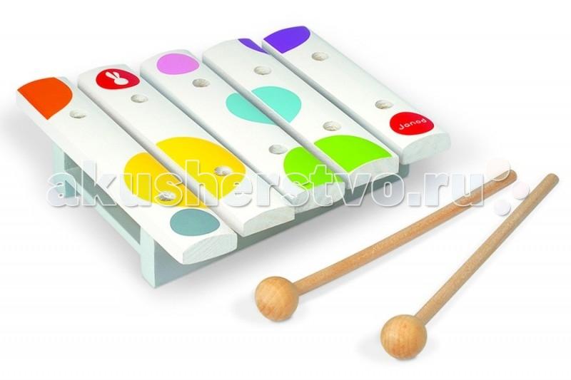 Музыкальная игрушка Janod Мини ксилофонМини ксилофонJanod Игрушка музыкальная Мини ксилофон.  Игрушка музыкальная Ксилофон 5 нот, производства французской компании Janod, предназначен для детей от 1 года.Всем известно, что музыка благотворно влияет на психику детей, вырабатывает у них чувство гармонии, вызывает новые эмоции.   Ксилофон имеет 5 деревянных пластин. У игрушки приятный нежный звук. Он имеет оригинальный дизайн и веселую приятную расцветку: на белом фоне расположены яркие разноцветные кружочки в виде конфетти. Деревянные палочки убираются внутрь игрушки. Длина игрушки 13,5 см.Ксилофон издает приятные звуки и не станет головной болью для родителей, пока ребенок учится играть, кроме того инструмент прост в освоении как ребенком так и мамой.  Ксилофон изготовлен из натуральных безопасных для ребенка материалов.<br>