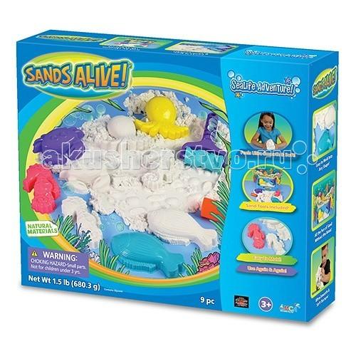 Sands Alive Живой песок 3D Морское приключение 675 г + аксессуарыЖивой песок 3D Морское приключение 675 г + аксессуарыВ наборе: 675 г песка, 4 формочки, 2 ролика, объемная картинка, 3D очки, ванночка для песка.  Sands Alive сыпучий, как песок, и в то же время липкий для создания снеговиков, куличиков,  замков и пещер…   Идеально развивает мелкую моторику у малышей, а также  воображение и усидчивости у детей постарше.    Многие взрослые оценили его как уникальный антистресс для себя! Основа песка Sands Alive это силикон, мел, глицерин и парафин.  Материал совершенно безопасен, не содержит тяжелых металлов, абсолютно экологичен и безвреден.<br>