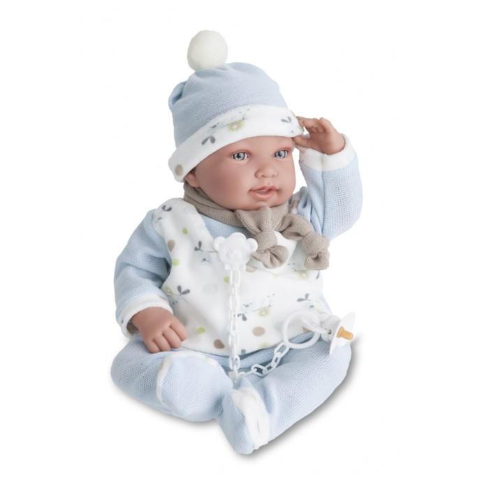 Munecas Antonio Juan  Кукла Камилло озвученная 40 смКукла Камилло озвученная 40 смКукла-младенец Камилло выглядит совсем как ребенок. Она одета в костюмчик с шапочкой.  Личико сделано с детальными прорисовками. Образы малышей Мунекас разработаны известными европейскими дизайнерами. Они натуралистичны, анатомически точны, с подвижными ручками и ножками, копируют настоящих младенцев.  Малыш умеет разговаривать: нажмите на животик 1 раз - кукла засмеется, 2-ой раз - кукла скажет мама, 3-ий раз - скажет папа.   Кукла с виниловыми подвижными ручками, ножками и головой, и мягконабивным туловищем.   Кукла упакована в красивую подарочную коробку.  Куклы Antonio Juan Munecas существуют уже более 40 лет и пользуется заслуженной популярностью в Европе. Куклы производятся исключительно в Испании, из высококачественных материалов, безвредных для ребенка. Образы кукол разрабатываются ведущими Европейскими дизайнерами, они высокохудожественны, натуралистичны (девочки/мальчики), одеты в красивую современную одежду, сшитую из натуральных тканей. Упакованы в стильные фирменные коробки.  В наш век технического прогресса классические куклы Антонио Хуан, с милыми добрыми детскими чертами не перестают пользоваться популярностью, а способность разговаривать, смеяться и плакать делает их вполне современными и интересными даже для самых «продвинутых» деток.<br>