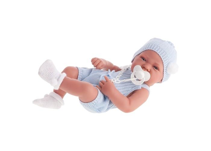 Munecas Antonio Juan  Кукла Хосе 42 смКукла Хосе 42 смКукла-младенец Хосе выглядит совсем как ребенок. Она одета в костюмчик с шапочкой.  Личико сделано с детальными прорисовками. Образы малышей Мунекас разработаны известными европейскими дизайнерами. Они натуралистичны, анатомически точны, с подвижными ручками и ножками, копируют настоящих младенцев.  Полностью изготовлены из высококачественного винила с покрытием софт тач, мягкого и приятного на ощупь.   Кукла упакована в красивую подарочную коробку.  Куклы Antonio Juan Munecas существуют уже более 40 лет и пользуется заслуженной популярностью в Европе. Куклы производятся исключительно в Испании, из высококачественных материалов, безвредных для ребенка. Образы кукол разрабатываются ведущими Европейскими дизайнерами, они высокохудожественны, натуралистичны (девочки/мальчики), одеты в красивую современную одежду, сшитую из натуральных тканей. Упакованы в стильные фирменные коробки.  В наш век технического прогресса классические куклы Антонио Хуан, с милыми добрыми детскими чертами не перестают пользоваться популярностью, а способность разговаривать, смеяться и плакать делает их вполне современными и интересными даже для самых «продвинутых» деток.<br>