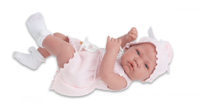 Munecas Antonio Juan  Кукла Мануэла 42 смКукла Мануэла 42 смКукла-младенец Мануэла выглядит совсем как ребенок. Она одета в костюмчик с шапочкой.  Личико сделано с детальными прорисовками. Образы малышей Мунекас разработаны известными европейскими дизайнерами. Они натуралистичны, анатомически точны, с подвижными ручками и ножками, копируют настоящих младенцев.  Полностью изготовлены из высококачественного винила с покрытием софт тач, мягкого и приятного на ощупь.   Кукла упакована в красивую подарочную коробку.  Куклы Antonio Juan Munecas существуют уже более 40 лет и пользуется заслуженной популярностью в Европе. Куклы производятся исключительно в Испании, из высококачественных материалов, безвредных для ребенка. Образы кукол разрабатываются ведущими Европейскими дизайнерами, они высокохудожественны, натуралистичны (девочки/мальчики), одеты в красивую современную одежду, сшитую из натуральных тканей. Упакованы в стильные фирменные коробки.  В наш век технического прогресса классические куклы Антонио Хуан, с милыми добрыми детскими чертами не перестают пользоваться популярностью, а способность разговаривать, смеяться и плакать делает их вполне современными и интересными даже для самых «продвинутых» деток.<br>