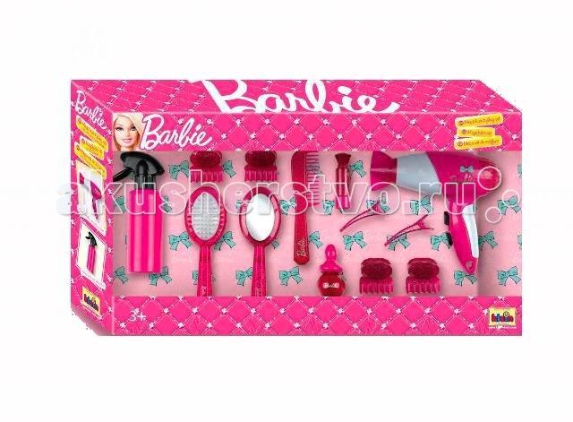 Klein Набор стилиста Barbie большойНабор стилиста Barbie большойНабор понадобится каждой девочке-моднице. Благодаря набору вы сможете создавать оригинальные прически для своих кукол Барби.  В комплекте: фен, бутылочка-распылитель, заколки, расчески, зажимы для волос. В наборе 13 предметов.   Выполнен из безопасного пластика.  История немецкой компании Theo Klein, известной во всем мире благодаря высокому качеству игрушек и их образовательной ценности, не похожа на историю других игрушечных компаний. Ведь Тео Кляйн и его жена Мария основали компанию в 1949 году как семейную фабрику по производству щеток и метел.  Началом истории успеха компании Klein стал выпуск в 1956 году метлы с яркими пластиковими щетинками, предназначенной для детей. А в 1959 году компания Klein уже впервые принимала участие в Нюрнбергской ярмарке игрушек, выставляя лишь три продукта: детскую метлу, щетку и металлическую лопатку. Они имели невероятный успех и позиционировались как игрушки, способствующие освоению детьми социальных правил и ролей в данном случае – помощников своих родителей. Вскоре компания окончательно изменила свой курс и начала заниматься производством игрушек.  Быстрая экспансия компании Theo Klein GmbH сопровождалась разработкой большого количества новых продуктов и непрерывным расширением существующего ассортимента. На сегодняшний день компания Klein, которую возглавляют сыновья Тео и Марии – Клаус-Дитер и Мартин, является крупнейшим в Европе производителем игрушек, имеющих обучающую ценность, и лидером во многих сегментах отрасли. Среди партнеров компании Theo Klein множество брендов с мировым именем: BOSCH, MIELE, BRAUN, VILEDA, WMF. Производственные мощности Theo Klein расположены в Германии, Чехии и Китае. Во всем мире бренд Klein известен высоким качеством игрушек и их образовательной ценностью.<br>