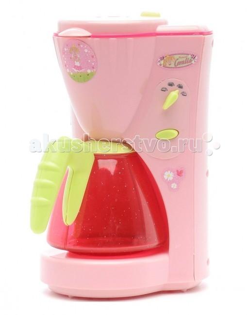 Klein Кофеварка CoralieКофеварка CoralieДетская кофеварка Coralie от немецкого производителя игрушек Klein - яркая игровая кофеварка, которая разнообразит сюжетно-ролевые игры вашего ребенка и сделает их еще интереснее.   Игрушка представляет из себя кофеварку яркого розового цвета. В верхний резервуар можно заливать воду, и она будет перетекать в прозрачный кофейник.  Благодаря этой замечательной кофеварке ваша малышка не только будет помогать маме с приготовлением еды и напитков в игровой форме, но и в дальнейшем приучиться к порядку и в будущем легко освоит взрослую технику.   История немецкой компании Theo Klein, известной во всем мире благодаря высокому качеству игрушек и их образовательной ценности, не похожа на историю других игрушечных компаний. Ведь Тео Кляйн и его жена Мария основали компанию в 1949 году как семейную фабрику по производству щеток и метел.  Началом истории успеха компании Klein стал выпуск в 1956 году метлы с яркими пластиковими щетинками, предназначенной для детей. А в 1959 году компания Klein уже впервые принимала участие в Нюрнбергской ярмарке игрушек, выставляя лишь три продукта: детскую метлу, щетку и металлическую лопатку. Они имели невероятный успех и позиционировались как игрушки, способствующие освоению детьми социальных правил и ролей в данном случае – помощников своих родителей. Вскоре компания окончательно изменила свой курс и начала заниматься производством игрушек.  Быстрая экспансия компании Theo Klein GmbH сопровождалась разработкой большого количества новых продуктов и непрерывным расширением существующего ассортимента. На сегодняшний день компания Klein, которую возглавляют сыновья Тео и Марии – Клаус-Дитер и Мартин, является крупнейшим в Европе производителем игрушек, имеющих обучающую ценность, и лидером во многих сегментах отрасли. Среди партнеров компании Theo Klein множество брендов с мировым именем: BOSCH, MIELE, BRAUN, VILEDA, WMF. Производственные мощности Theo Klein расположены в Германии, Чехии и Китае. Во всем м
