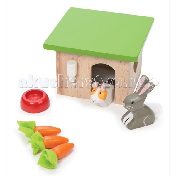 Деревянная игрушка LeToyVan Игровой набор Кролик и морковкаИгровой набор Кролик и морковкаИгровой набор Кролик и морковка LeToyVan  Замечательный игровой набор домашних любимцев понравится не только девочке, но и мальчику. Все элементы набора сделаны из древа и ткани.  Игрушка включает: домик для животных с зеленой крышей и поилкой красную миску для еды домашних питомцев три морковки белую морскую свинку серого кролика  сделан из дерева и ткани состоит из 7 игровых элементов будет интересен как девочке, так и мальчику предназначен для детей старше 3 лет упакован в красивую подарочную коробку<br>