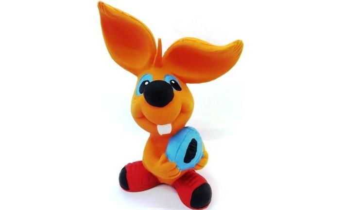 Lanco Латексная игрушка Заяц-регбист ODA 083Латексная игрушка Заяц-регбист ODA 083Lanco Латексная игрушка Заяц-регбистODA-083 для детей от трех месяцев.  Латексные игрушки Lanco удобно и комфортно держать в детской руке. С ними можно играть в ванной, в кроватке, в автомобиле, во время путешествий в поезде, на самолете, на пароходе.  Эти игрушки способствуют развитию воображения ребенка, способствуют развитию мелкой моторики.  Чем замечательны латексные игрушки Lanco? - уникальность - эксклюзивное качество - отсутствие аналогов.  Игрушки производятся из безвредного, экологически чистого 100% натурального сырья – латекса – без химических и минеральных добавок, этот материал нелипкий, приятный и мягкий на ощупь, для него характерно отсутствие запаха.  Особенности игрушек Lanco: Латексные игрушки Lanco прошли сертификацию как в Европе, так и в России Играя с латексными игрушками Lanco невозможно травмироваться, невозможно откусить, оторвать детали от них При растягивании любая латексная игрушка Lanco увеличивается до 7 раз, возвращаясь в исходное положение, не деформируясь. В производстве этих игрушек используются натуральные пищевые красители, которые наносятся на латексные игрушки Lanco вручную. Латексные игрушки Lanco привлекают яркостью красок, и цветовая гамма разработана совместно с психологами.  Материал: - производство из безвредного, экологически чистого 100% натурального сырья – латекса – без химических и минеральных добавок - нелипкий - приятный и мягкий на ощупь - отсутствие запаха.  Использование: - латексные игрушки Lanco легко моются в теплой воде с нейтральным мылом, при этом красители не линяют - латексные игрушки Lanco удобно и комфортно держать в детской руке - с латексными игрушками Lanco можно играть в ванной, в кроватке, в автомобиле, во время путешествий в поезде, на самолете, на пароходе.  Красители: натуральные пищевые красители, которые наносятся на латексные игрушки Lanco вручную - устойчивость красителей к воздействию слюны - красители, испол