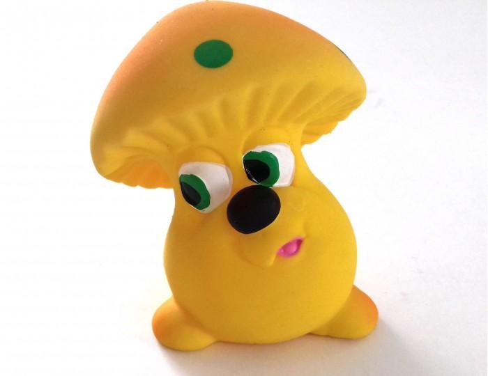 Lanco Латексная игрушка Гриб 1141Латексная игрушка Гриб 1141Lanco Латексная игрушка Гриб 1141 для детей от трех месяцев.  Латексные игрушки Lanco удобно и комфортно держать в детской руке. С ними можно играть в ванной, в кроватке, в автомобиле, во время путешествий в поезде, на самолете, на пароходе.  Эти игрушки способствуют развитию воображения ребенка, способствуют развитию мелкой моторики.  Чем замечательны латексные игрушки Lanco? - уникальность - эксклюзивное качество - отсутствие аналогов.  Игрушки производятся из безвредного, экологически чистого 100% натурального сырья – латекса – без химических и минеральных добавок, этот материал нелипкий, приятный и мягкий на ощупь, для него характерно отсутствие запаха.  Особенности игрушек Lanco: Латексные игрушки Lanco прошли сертификацию как в Европе, так и в России Играя с латексными игрушками Lanco невозможно травмироваться, невозможно откусить, оторвать детали от них При растягивании любая латексная игрушка Lanco увеличивается до 7 раз, возвращаясь в исходное положение, не деформируясь. В производстве этих игрушек используются натуральные пищевые красители, которые наносятся на латексные игрушки Lanco вручную. Латексные игрушки Lanco привлекают яркостью красок, и цветовая гамма разработана совместно с психологами.  Материал: - производство из безвредного, экологически чистого 100% натурального сырья – латекса – без химических и минеральных добавок - нелипкий - приятный и мягкий на ощупь - отсутствие запаха.  Использование: - латексные игрушки Lanco легко моются в теплой воде с нейтральным мылом, при этом красители не линяют - латексные игрушки Lanco удобно и комфортно держать в детской руке - с латексными игрушками Lanco можно играть в ванной, в кроватке, в автомобиле, во время путешествий в поезде, на самолете, на пароходе.  Красители: натуральные пищевые красители, которые наносятся на латексные игрушки Lanco вручную - устойчивость красителей к воздействию слюны - красители, используемые при производстве латексн