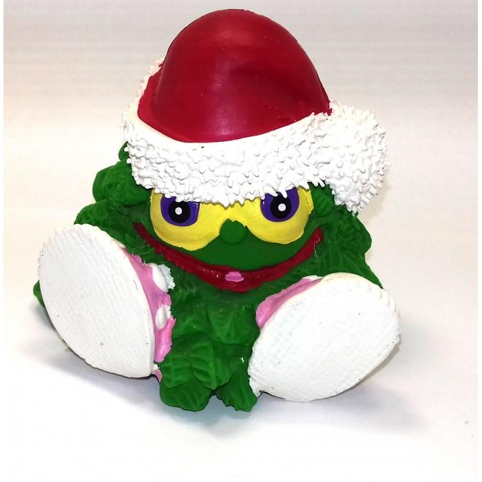 Lanco Латексная игрушка Елочка-новогодняя 961Латексная игрушка Елочка-новогодняя 961Lanco Латексная игрушка Елочка-новогодняя 961 для детей от трех месяцев.  Латексные игрушки Lanco удобно и комфортно держать в детской руке. С ними можно играть в ванной, в кроватке, в автомобиле, во время путешествий в поезде, на самолете, на пароходе.  Эти игрушки способствуют развитию воображения ребенка, способствуют развитию мелкой моторики.  Чем замечательны латексные игрушки Lanco? - уникальность - эксклюзивное качество - отсутствие аналогов.  Игрушки производятся из безвредного, экологически чистого 100% натурального сырья – латекса – без химических и минеральных добавок, этот материал нелипкий, приятный и мягкий на ощупь, для него характерно отсутствие запаха.  Особенности игрушек Lanco: Латексные игрушки Lanco прошли сертификацию как в Европе, так и в России Играя с латексными игрушками Lanco невозможно травмироваться, невозможно откусить, оторвать детали от них При растягивании любая латексная игрушка Lanco увеличивается до 7 раз, возвращаясь в исходное положение, не деформируясь. В производстве этих игрушек используются натуральные пищевые красители, которые наносятся на латексные игрушки Lanco вручную. Латексные игрушки Lanco привлекают яркостью красок, и цветовая гамма разработана совместно с психологами.  Материал: - производство из безвредного, экологически чистого 100% натурального сырья – латекса – без химических и минеральных добавок - нелипкий - приятный и мягкий на ощупь - отсутствие запаха.  Использование: - латексные игрушки Lanco легко моются в теплой воде с нейтральным мылом, при этом красители не линяют - латексные игрушки Lanco удобно и комфортно держать в детской руке - с латексными игрушками Lanco можно играть в ванной, в кроватке, в автомобиле, во время путешествий в поезде, на самолете, на пароходе.  Красители: натуральные пищевые красители, которые наносятся на латексные игрушки Lanco вручную - устойчивость красителей к воздействию слюны - красители, и