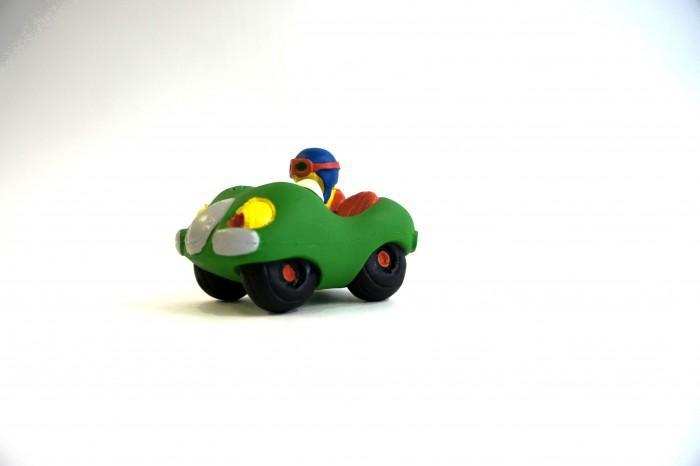 Lanco Латексная игрушка Кабриолет 1074Латексная игрушка Кабриолет 1074Lanco Латексная игрушка Кабриолет 1074 для детей от трех месяцев.  Латексные игрушки Lanco удобно и комфортно держать в детской руке. С ними можно играть в ванной, в кроватке, в автомобиле, во время путешествий в поезде, на самолете, на пароходе.  Эти игрушки способствуют развитию воображения ребенка, способствуют развитию мелкой моторики.  Чем замечательны латексные игрушки Lanco? - уникальность - эксклюзивное качество - отсутствие аналогов.  Игрушки производятся из безвредного, экологически чистого 100% натурального сырья – латекса – без химических и минеральных добавок, этот материал нелипкий, приятный и мягкий на ощупь, для него характерно отсутствие запаха.  Особенности игрушек Lanco: Латексные игрушки Lanco прошли сертификацию как в Европе, так и в России Играя с латексными игрушками Lanco невозможно травмироваться, невозможно откусить, оторвать детали от них При растягивании любая латексная игрушка Lanco увеличивается до 7 раз, возвращаясь в исходное положение, не деформируясь. В производстве этих игрушек используются натуральные пищевые красители, которые наносятся на латексные игрушки Lanco вручную. Латексные игрушки Lanco привлекают яркостью красок, и цветовая гамма разработана совместно с психологами.  Материал: - производство из безвредного, экологически чистого 100% натурального сырья – латекса – без химических и минеральных добавок - нелипкий - приятный и мягкий на ощупь - отсутствие запаха.  Использование: - латексные игрушки Lanco легко моются в теплой воде с нейтральным мылом, при этом красители не линяют - латексные игрушки Lanco удобно и комфортно держать в детской руке - с латексными игрушками Lanco можно играть в ванной, в кроватке, в автомобиле, во время путешествий в поезде, на самолете, на пароходе.  Красители: натуральные пищевые красители, которые наносятся на латексные игрушки Lanco вручную - устойчивость красителей к воздействию слюны - красители, используемые при произ