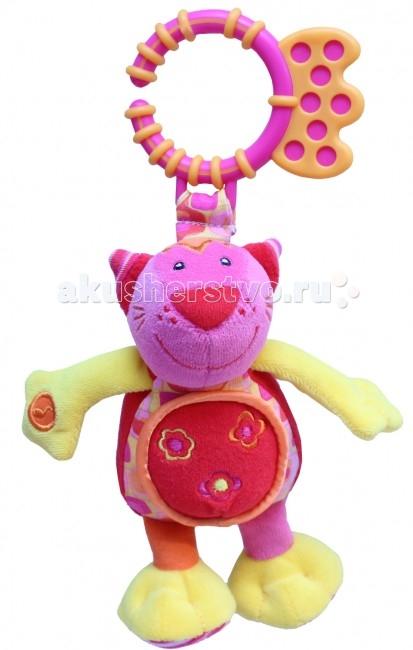 Подвесная игрушка Roxy Котенок Банси со звукомКотенок Банси со звукомКотенок Банси со звуком - это развивающая игрушка издает забавный звук при нажатии на лапу.   Особенности: Яркие образы и цвета развивают визуальное восприятие окружающего мира ребенка. Прикосновения и звук: игрушки со звуком помогают ребенку развивать слух. Навыки мелкой моторики: помогают ребенку развивать ручки и пальчики, совершать точные движения, хватать и управлять объектами. Издает забавный звук при нажатии.  Пищалки в ногах.  Удобное крепление.  Размер - 18 см.<br>