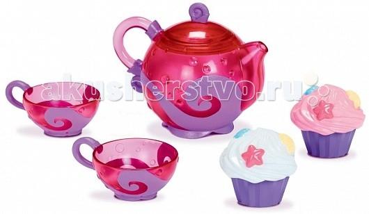 Munchkin Игрушка для ванны Чайный сервизИгрушка для ванны Чайный сервизMunchkin Игрушка для ванны Чайный сервиз и пара симпатичных кексиков сделают купание малыша гораздо веселее: аккуратные чашечки- сито процеживают воду, а кексы забавно брызгаются.    Особенности: малыш сможет наполнять игрушки водой, процеживать и брызгаться  форма чайника удобна для маленьких ручек  2 сита в виде чайных чашечек  2 брызгалки для воды в виде кексов  идеально подходит для чаепитий в воде и на суше  подходит для детей от 2-х лет<br>
