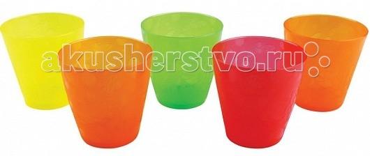 Munchkin Набор стаканчиков 237 мл 5 шт.Набор стаканчиков 237 мл 5 шт.Munchkin Набор стаканчиков помогут приучить ребенка к обычной взрослой чашке.   Особенности: облегчает переход от поильника к взрослой чашке  5 разноцветных стаканчиков в комплекте  легко удерживать в руках  широкое основание, обеспечивающие стаканчику устойчивость  можно мыть в верхней части посудомоечной машины  объем: 237 мл<br>