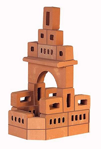 Конструктор Brickmaster Родник 2 в 1 35 деталейРодник 2 в 1 35 деталейКонструктор Brickmaster Родник 2 в 1 35 деталей - с таким набором, малыш почувствует себя настоящим строителем, ведь возводить постройки нужно будет из настоящих миникирпичей из обожженной глины.  Для того, чтобы создать красивую башенку для родника, малыш должен правильно смешать с водой строительную смесь, а потом, используя мастерок, ровными рядами располагать кирпичики и наносить на них скрепляющий цемент.  Цемент разработан специально для детей и абсолютно безопасен, в его состав входят речной песок и кукурузный крахмал.  Для того, чтобы кирпичики очистились от цемента, замочите постройку в воде. И начните строить снова!  Естественно из деталей одного набора можно построить не только строение по инструкции, но и множество других построек. Можно даже играть с детальками, как с простыми кубиками, и не склеивать их между собой.  Все материалы абсолютно безопасны для детского здоровья. Кирпичики изготовлены из обожженной глины, а строительная смесь — из кукурузного крахмала и песка.  В процессе сборки у вашего малыша будет развиваться пространственное мышление, инженерные способности и мелкая моторика.<br>