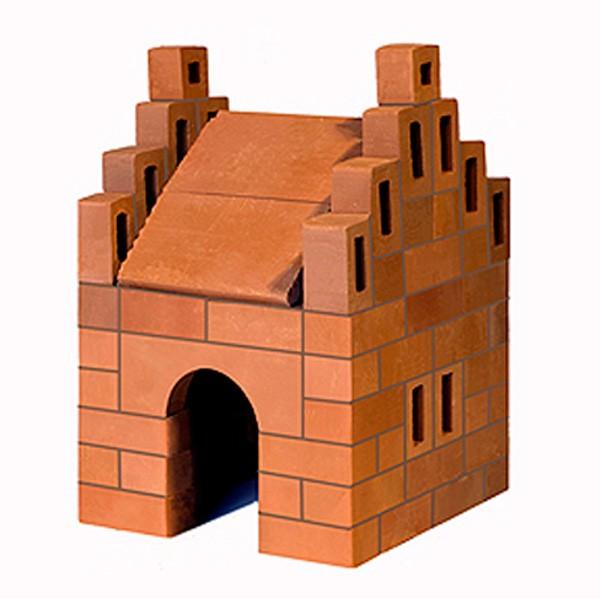 Конструктор Brickmaster Домик 99 деталейДомик 99 деталейКонструктор Brickmaster Домик 99 деталей - очень популярная новинка среди развивающих игрушек в последнее время.  Кирпичики, арки и другие архитектурные детали сделаны из натуральной обожженной глины по той же технологии, что и настоящие, только отличаются меньшим размером.  Экологически безопасная специальная смесь из речного песка и кукурузного крахмала позволит крепко соединить между собой детали конструкции. Она не только обладает всеми свойствами настоящего цемента, но также позволяет при необходимости несколько раз перестраивать конструктор: достаточно готовую постройку поместить на 2-3 часа в воду и все кирпичики снова отделятся друг от друга.  Чтобы удобно было наносить цемент на детали, в комплект входит специальный мастерок, точно такой, как у взрослых строителей, только меньшего размера, а для смешивания цемента — удобная емкость.<br>