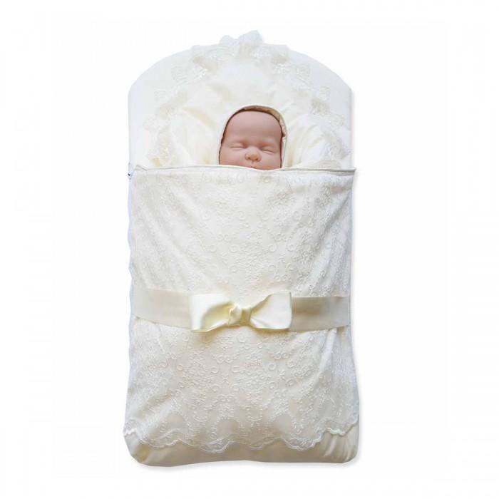 Комплект на выписку Baby Nice (ОТК) 3 предмета3 предметаКомплект на выписку: одеяло-конверт — ткань верха и подкладки: сатин, 100% хлопок, наполнитель: инновационный материал файберпласт — качественный, легкий и неприхотливый в эксплуатации нетканый материал, который великолепно удерживает тепло, дышит, является гипоаллергенным, прекрасно стирается, практически не слеживается, быстро сохнет и не впитывает неприятные запахи.   Экологичность, высокий уровень комфорта, красота и праздничное настроение — отличительные черты этого комплекта.   Конверт украшен классическими атрибутами одежды для младенцев на выписку: сверху — легким изысканным кружевом, посередине — атласными лентами.   Одеяло-конверт на выписку представлен в нескольких цветовых решениях, подходящих как для девочек, так и для мальчиков.  В наборе Конверт Одеяло Чепчик<br>