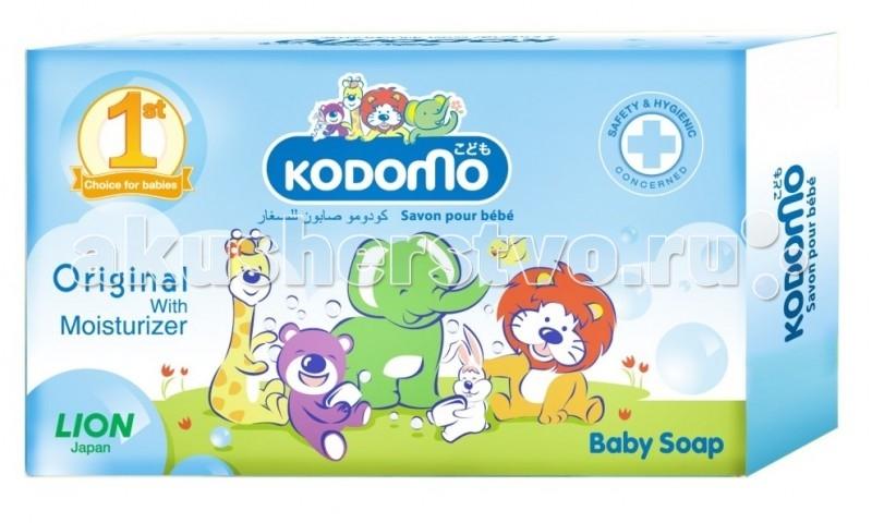 Kodomo Мыло детское с увлажняющим кремом 90 гМыло детское с увлажняющим кремом 90 гНежное мыло на основе природных ингредиентов обладает превосходным моющим, антибактериальным и смягчающим эффектом.   Антибактериальные свойства оберегают здоровье кожи ребенка. Новейшая формула, содержащая только натуральные компоненты, эффективно удаляет загрязнения, сохраняя кожу ребенка мягкой и увлажненной.   Мыло гипоаллергенно и абсолютно безопасно, благодаря чему идеально подходит для чувствительной кожи с первых дней жизни малыша.   Входящие в состав моющие компоненты на 100% состоят из веществ растительного происхождения.  Состав: натуральное мыло, глицерин, ароматизатор.<br>