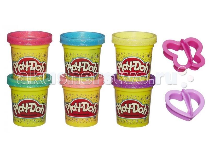 Play-Doh Hasbro Набор 6 баночек Блестящая коллекцияHasbro Набор 6 баночек Блестящая коллекцияПластилин PLAY-DOH - Блестящая коллекция Hasbro A5417H.  Ваш ребёнок любит лепить из пластилина? Тогда ему в качестве подарка идеально подойдет пластилин от американского торгового бренда Hasbro «Play-Doh. Блестящая коллекция».  В набор входят 6 баночек сверкающего пластилина разных цветов, а также формочки, благодаря которым можно вырезать сердечки или бабочки.  Пластилин уникален своим составом, он нетоксичен, так как не содержит химических веществ. Он создан с использованием пищевых компонентов. И если во время лепки ребёнок съест немного пластилина, то не стоит переживать, он не причинит ему никакого вреда.   Также стоит отметить то, что пластилин не липнет к рукам, одежде и рабочей поверхности, а также он имеет приятный запах.  В наборе: 6 баночек пластилина Play-Doh (блестящего) 2 формочки<br>