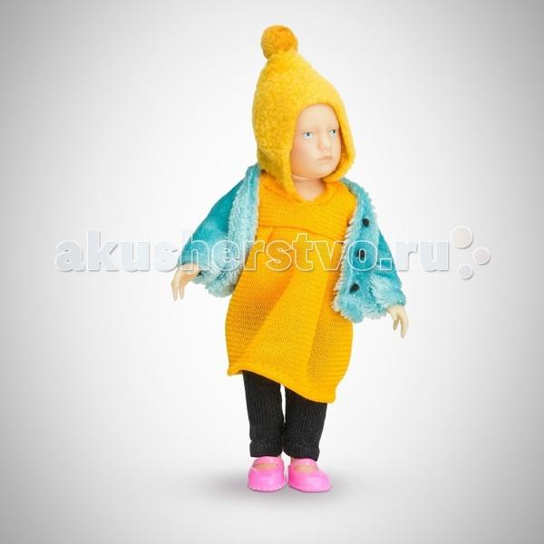 Pupsique Пупс Девочка в желтом платье 110 ммПупс Девочка в желтом платье 110 ммМиниатюрная кукла девочка 110 мм в желтом платье и шапочке и голубом жакете.  Главное, что отличает пупсика Pupsique от подобных игрушек, - это идеальное сходство с человеком. Это авторское произведение, создатели которого сумели детально соблюсти пропорции и особенности человеческого тела.  Размер куколки Pupsique всего 110 мм, однако каждый пупсик раскрашен вручную (hand painted), и все его части подвижны: голова, ручки, ножки. В качестве дополнительных аксессуаров предлагается большой выбор оригинальной дизайнерской одежды, которая, безусловно, понравится детям и их родителям.  Игрушка выполнена из высококачественного винила, гарантированно гипоаллергенного материала. Все куколки и аксессуары к ним помещены в особую блистерную упаковку, при производстве которой используется только пищевой пластик.  Особенности пупсиков: Идеальное сходство с человеком Словно живой Подвижные части тела (5 точек артикуляции) Не имеет аналогов в мире Большой выбор аксессуаров Высококачественный винил Оригинальная дизайнерская одежда<br>