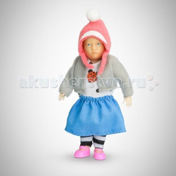Pupsique Пупс Девочка в полосатых брюках 110 ммПупс Девочка в полосатых брюках 110 ммМиниатюрная кукла девочка 110 мм в полосатых штанишках, голубой юбке, кофточке с божьей коровкой .  Главное, что отличает пупсика Pupsique от подобных игрушек, - это идеальное сходство с человеком. Это авторское произведение, создатели которого сумели детально соблюсти пропорции и особенности человеческого тела.  Размер куколки Pupsique всего 110 мм, однако каждый пупсик раскрашен вручную (hand painted), и все его части подвижны: голова, ручки, ножки. В качестве дополнительных аксессуаров предлагается большой выбор оригинальной дизайнерской одежды, которая, безусловно, понравится детям и их родителям.  Игрушка выполнена из высококачественного винила, гарантированно гипоаллергенного материала. Все куколки и аксессуары к ним помещены в особую блистерную упаковку, при производстве которой используется только пищевой пластик.  Особенности пупсиков: Идеальное сходство с человеком Словно живой Подвижные части тела (5 точек артикуляции) Не имеет аналогов в мире Большой выбор аксессуаров Высококачественный винил Оригинальная дизайнерская одежда<br>
