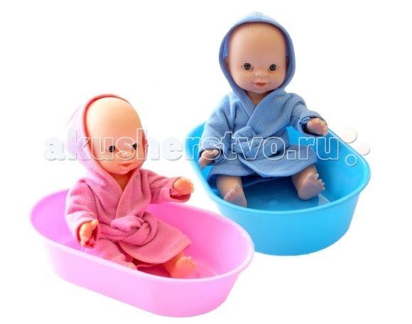 Игрушкин Пупс в ванночкеПупс в ванночкеДевочки любят играть в дочки-матери: заботятся о любимой кукле, кормят ее, переодевают и купают.  Пупс одет в банный халатик. У игрушки подвижные ножки, ручки и голова.  Высота пупса - 22 см.  Цвета в ассортименте.<br>