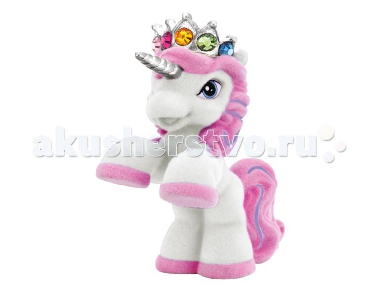 Simba Лошадка Filly UnicornЛошадка Filly UnicornЛошадка Simba Filly Unicorn - для маленьких поклонниц сказочных лошадок.   Коллекция составляет 21 лошадку. На каждой Filly одета корона с кристаллом Swarovski. В пакетике 1 флокированная фигурка.  Размер: 5 см<br>