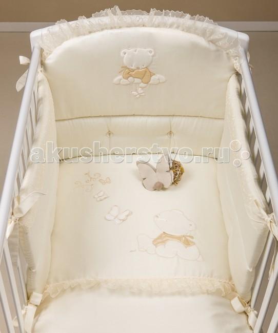 Комплект в кроватку Picci Sissi (3 предмета) с балдахиномSissi (3 предмета) с балдахиномКомплект в кроватку Picci Sissi - постельное белье для Вашего малыша, выполнено по современным технологиям с использованием натуральных материалов, что характеризует качество продукции Picci. Постельное белье создаст уют Вашему малышу и подарят ему спокойные и приятные сны.  Восхитительные россыпи вышитых на блестящем сатине цветов ручной работы кружево , причудливые узоры, фигуры, стразы не оставят равнодушным никого. Купив такое постельное белье, вы долгие годы будете наслаждаться его красотой и великолепием. Ведь сам материал не рвется и не садится, а вышивка не линяет и не растягивается. Удивительным образом подобранные узоры для вышивки размещены именно там, где они меньше всего мешают спящему человеку, и одновременно в том месте, где их лучше всего видно и где они заметно украшают общий дизайн постельного белья.  Основные характеристики: изысканный дизайн элитная коллекция комплект отличается высоким качеством пошива бельё полностью безопасно и гипоаллергенно благодаря устойчивым красителям, белье сохраняет насыщенность красок и безупречный вид после стирки материалы не раздражают нежное тельце ребенка, и не доставляют ему неудобств удобство и простота в использовании бампер предохраняет от ушибов о стенку кроватки качество материала обеспечивает лёгкость стирки и долговечность в комплекте одеяло-покрывало, наволочка, бампер, балдахин  Материалы: состав - 100% хлопок одеяло-покрывало с синтепоновым наполнением изготовлен из материала самого высшего качества и только из натуральных тканей<br>