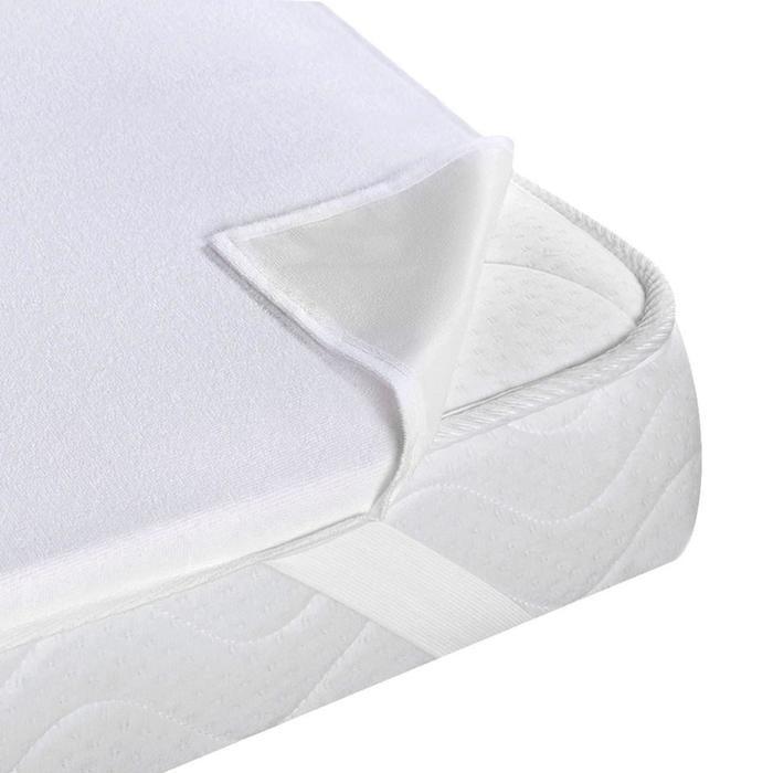 Alis Защитный непромокаемый матрасик Машенька 120х60Защитный непромокаемый матрасик Машенька 120х60Alis на молнии (махра+клеенка) - накладка на основной матрас, предохраняющая его от загрязнений и жидкостей. Способ крепления к матрасу: резинка.  Особенности: Обладает антимикробной, антиалергенной пропиткой, а также защитой от пылевых клещей.  Дышащая структура, сохраняющая тепло, не являющаяся причиной потливости. Мягкая ткань, не шуршит.  Не промокает.  Дышащая структура, сохраняющая тепло, не являющаяся причиной потливости. Мягкая ткань, не шуршит.  Не промокает.<br>