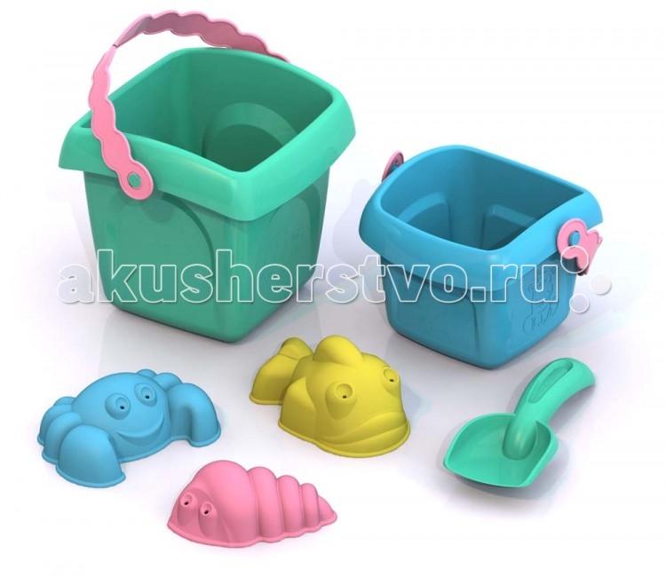 Шкода Набор игрушек в песочницу Лето №7Набор игрушек в песочницу Лето №7Шкода Набор Лето №7 из пластмассы нового поколения, в производстве использованы очень яркие цвета и новые дизайнерские решения.  В наборе:  ведерко малое (10,6x11,6x8,4 см),  ведерко большое (14x12x11,5 см),  совочек (13x5x2,5 см),  формочка Ракушка (8x4,7x3 см),  формочка Крабик (9x6,6x3 см),  формочка Рыбка (9,8x6,2x4,3 см).   Цвета в ассортименте<br>