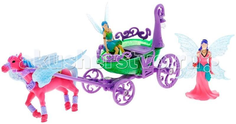 Simba Magic Fairies Лошадка с каретой 4410389Magic Fairies Лошадка с каретой 4410389Лошадка с каретой Simba Magic Fairies – превосходная игрушка со световыми эффектами для всех любителей сказочных эльфов.    Особенности:    В наборе вы найдете крылатую лошадку-пегаса, который запряжен в красивую карету.   В карете едут две феи с прозрачными крылышками.   На карете есть фонарик, который будет светиться в темноте и освещать дорогу феям.   Световые эффекты работают от батареек (нет в комплекте).<br>