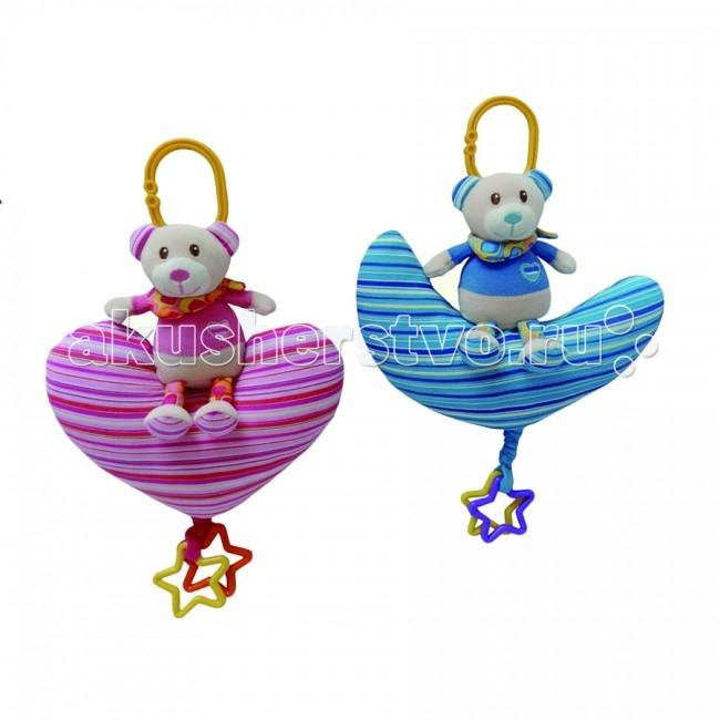 Подвесная игрушка I-Baby Мишка на сердечкеМишка на сердечкеI-BABY Развивающая игрушка подвеска Мишка на сердечке  Характеристики: Игрушка подвеска на кроватку, коляску или автомобильное кресло Удобное крепление Может использоваться как стандартная игрушка Прорезыватели Игрушка выполнена из высококачественных материалов  Размер: 18х16 см<br>