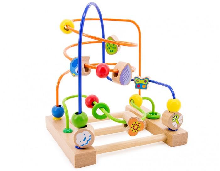 Деревянная игрушка МДИ Лабиринт № 3Лабиринт № 3Деревянная игрушка МДИ Лабиринт № 3.  Лабиринт - отличная игрушка для развития мелкой моторики. Кроме того, игра в Лабиринт развивает пространственное мышление. На основании Лабиринта прикреплены 3 цветные проволоки, изогнутые в разных плоскостях.   Проволоки статичны, сгибать их нельзя. По каждой проволоке можно перемещать деревянные фигурки. Фигурки разного цвета и формы. Во время игры не забывайте называть малышу цвета дорожек и фигурок. Считайте, сколько фигурок переместили. Мелкие детали не снимаются.<br>