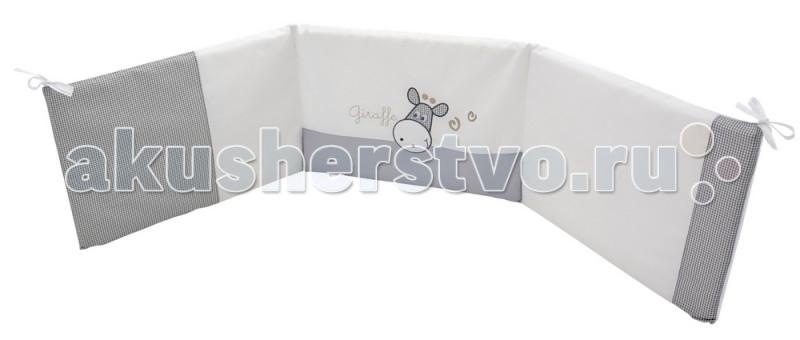Бампер для кроватки Micuna Sabana 120х60Sabana 120х60Бортики 120х60 Micuna Sabana TX-1744   Коллекция текстиля для детской комнаты от испанской компании Micuna создана из натурального хлопка самой тонкой выделки. Нежная, гипоаллергенная ткань благоприятна для кожи малышей. Она легко стирается и быстро сохнет. Наполнитель мягких бортиков – холлофайбер – состоит из пустотелых полиэстеровых волокон, скрученных в форме пружин. Обеспечивает лучшую, чем синтепон, теплоизоляцию и меньше слёживается. Текстиль Micuna – гарантия настоящего качества.  Основные характеристики: мягкие бортики в изголовье детской кровати материал: 50% хлопок, 50% полиэстер наполнитель: холлофайбер гипоаллергенные материалы и краски бампер (ДхВ): 180х40 см идеально подходят для кроватки Micuna Sabana 120х60.<br>