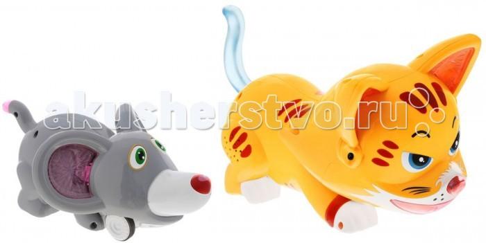 Tongde Игровой набор на Р/У Кошки МышкиИгровой набор на Р/У Кошки МышкиИгровой набор на радиоуправлении Кошки-Мышки TongDe В72496 - это весёлая игра, основанная на популярной детской игре. Ребёнок, управляя мышкой с помощью дистанционного пульта, должен помочь ей не попасть в лапы котёнка, который движется хаотично. А более интересной игру делают звуковые и световые эффекты.  В эту игру может играть несколько детей и по-очереди управляя мышонком, убегать от кота. Победителем станет тот, кто меньше всего раз натолкнётся на котёнка.  Комплектация:  котёнок мышонок пульт управления 2 аккумулятора и зарядное устройство  Основные характеристики:  Размеры упаковки: 41х20х17 см Вес: 0.917 кг Объем: 0.01625<br>