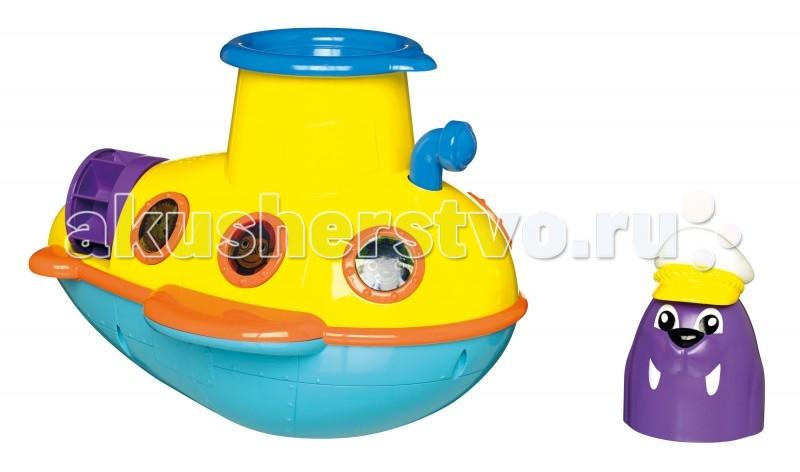 Tomy Игрушка для ванны Подводная ЛодкаИгрушка для ванны Подводная ЛодкаСмотровая подводная лодка от фирмы Tomy отправляется в подводное путешествие вместе с капитаном Моржом и его друзьями!  Нажав на перископ, ты услышишь звуки моря, увидишь, как загораются огоньки в иллюминаторах, и услышишь весёлую морскую песенку, а подводная лодка будет плыть по воде.  Чтобы увидеть, как капитан Морж ныряет за борт, нажми на пусковое устройство. Капитан Морж может использоваться как ёмкость для воды. Полейте водой на гребной винт и он начнёт крутиться!  Посмотри в иллюминатор капитанской кабины, и увидишь рыбок!  Комплектация: подводная лодка капитан Морж капитанский иллюминатор (пусковое устройство)<br>