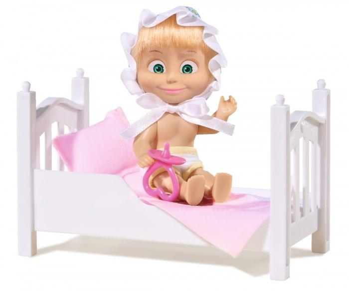 Simba Кукла Маша с кроваткойКукла Маша с кроваткойSimba Игровой набор Маша с кроваткой и аксессуарами.  Маша может быть не только озорницей и шалуньей, но и покорной малышкой как в этом наборе. Дети смогут уложить непоседу спать, одев ее в милый чепчик и предложив ей соску. Кроватка для Маши застелена приятным на ощупь бельем, которое в случае загрязнения можно легко постирать. Играя с этим набором, ребенок станет заботливее и внимательнее, а также улучшит свою фантазию и воображение.  Особенности: Набор выполнен по мотивам популярного детского мультфильма «Маша и медведь». В комплекте есть фигурка главной героини Маши, застеленная бельем кроватка, а также различные аксессуары в виде: забавного чепчика и соски. Высота фигурки героини – 12 см. Маша одета в нежно-желтые трусики, а ее образ малышки можно дополнить чепчиком на завязках и соской из набора. Героиню можно уложить спать в ее кроватку, так как части тела подвижные. Маша выполнена из приятного на ощупь винила, а волосы – из нейлона. Игрушка и аксессуары окрашены яркими устойчивыми к истиранию красителями. Набор изготовлен из безопасного нетоксичного пластика и текстиля высокого качества.<br>