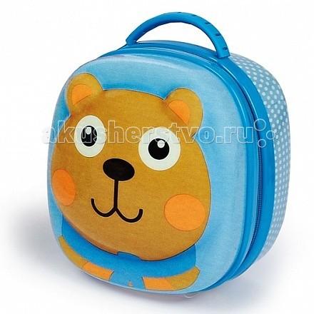 Oops Сумочка детская МедведьСумочка детская МедведьOops Сумочка детская Медведь - позволит малышу взять с собой перекусить, когда он находится на прогулке, в школе, на пикнике или в детском саду. Идеальный вариант для прогулок на открытом воздухе.  В основном, вместительном, отделении можно поместить контейнер с едой, который  закрепляется при помощи двух прочных ремешков. А вот в дополнительном сетчатом отделении можно поместить бутылку с напитком, например.  Сумочка закрывается на молнию, а в верхней части находится удобная ручка для переноски. С наружной части сумка украшена объёмным изображением улыбающейся мордочки медвежонка.  Также в сумочке можно хранить небольшие игрушки или вещи для детского сада.  Основные характеристики: отличная термоизоляция материалом служит прочный, качественный безопасный пластик основное отделение закрывается на прочную молнию поверхность легко очищается обеспечение сохранности свежести еды.<br>