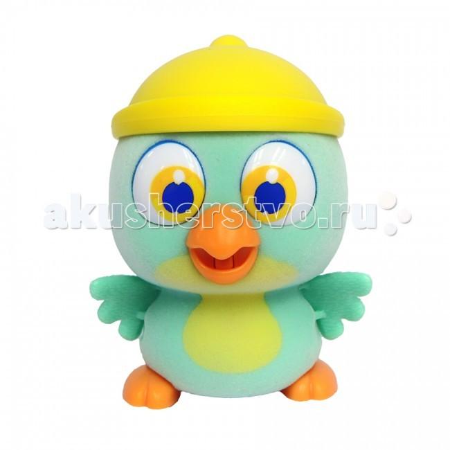 Интерактивная игрушка Brix`n Clix Пи-ко-ко Попугай в шапочкеПи-ко-ко Попугай в шапочкеИнтерактивная игрушка Brix`n Clix Пи-ко-ко Попугай в шапочке после включения птенец начинает пищать. Если рядом с ним хлопнуть в ладони, громко сказать или издать другой громкий звук, он начнёт быстро убегать, хлопая крыльями и громко пища.   Если взять его в руки и покормить из соски, входящей в набор, птенец успокоится, перестанет пищать и хлопать крыльями. После этого он начнет медленно ходить и негромко пищать, пока опять не услышит громкий звук. В асс-те 6 птенцов разных цветов с разными шапочками: желтый - цыпленок, красный и бирюзовый - попугайчик, фиолетовый - пингвинёнок, голубой и розовый - совёнок.  Материал - пластик, покрытый приятным на ощупь мягким красочным флоком.   Для работы необходима 1-а батарейка типа ААА (в комплект не входит).<br>