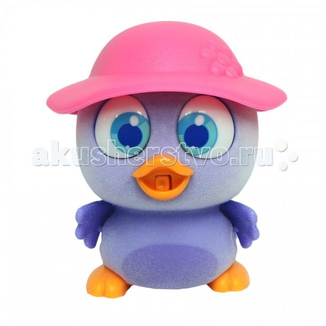 Интерактивная игрушка Brix`n Clix Пи-ко-ко Пингвиненок в шляпеПи-ко-ко Пингвиненок в шляпеИнтерактивная игрушка Brix`n Clix Пи-ко-ко Пингвиненок в шляпе после включения птенец начинает пищать. Если рядом с ним хлопнуть в ладони, громко сказать или издать другой громкий звук, он начнёт быстро убегать, хлопая крыльями и громко пища.   Если взять его в руки и покормить из соски, входящей в набор, птенец успокоится, перестанет пищать и хлопать крыльями. После этого он начнет медленно ходить и негромко пищать, пока опять не услышит громкий звук. В асс-те 6 птенцов разных цветов с разными шапочками: желтый - цыпленок, красный и бирюзовый - попугайчик, фиолетовый - пингвинёнок, голубой и розовый - совёнок.  Материал - пластик, покрытый приятным на ощупь мягким красочным флоком.   Для работы необходима 1-а батарейка типа ААА (в комплект не входит).<br>