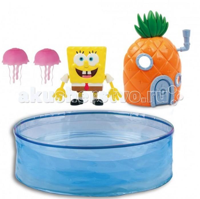 Интерактивная игрушка Zuru Набор Спанч Боб с аквариумом и домикомНабор Спанч Боб с аквариумом и домикомИнтерактивная игрушка Zuru Набор Спанч Боб с аквариумом и домиком. Губка Боб активируется в воде. Плавает, двигая руками.   Траектория движения зависит от положения рук:  одну руку направьте вверх, вторую - вниз, - он будет кружиться на поверхности если обе руки вытянуть вниз, он будет плыть по поверхности воды назад если руки вытянуть вверх, он будет плыть по поверхности воды вперёд.  Режим экономии батареек - отключается через 4 минуты. Игрушку нужно вытащить на несколько секунд и запустить в воду снова.   В комплекте 2-е батарейки LR44 + 2-е запасные.   В наборе: 1-ин ГУБКА БОБ, 1-ин Аквариум d 40 см, 1-ин Домик-ананас, 2-е Медузы.<br>