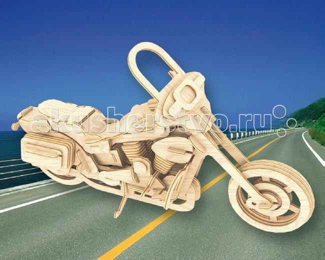 Конструктор МДИ Сборная модель Байкерский мотоцикл 2Сборная модель Байкерский мотоцикл 2Сборная модель МДИ Байкерский мотоцикл 2.  История легендарной марки американских мотоциклов Харли Дэвидсон берет свое начало в далеком 1901 году. В городе Милуоки, штат Висконсин, два друга детства Уильям Сильвестр Харли и Артур Дэвидсон создали в небольшом гараже свой первый мотоцикл. Его сборка была завершена в 1903 году и закончилась полным провалом - мотоцикл не мог преодолеть даже невысокий холм без помощи педалей.   Потерпев неудачу, друзья тут же взялись за создание нового мотоцикла с совершенно новым двигателем, и уже через год их новая машина смогла поучаствовать в городских гонках, заняв четвертое место. С тех пор начинается бурное развитие компании, которая спустя десять лет становится ведущим производителем мотоциклов на территории США. В создании легендарного мотоцикла принимало участие большое количество людей, которые не остались равнодушны к начинаниям молодых парней и помогли им встать на ноги.   Имена этих людей увековечены в официальной истории создания марки. Представленная модель мотоцикла создана с большой степенью детализации и может стать настоящим украшением и занять почетное место в коллекции сборных моделей различной техники. В комплектацию набора входят детали различной конфигурации, изготовленные из дерева. Все они соединяются с помощью вырезанных пазов. Для прочности модели при сборке рекомендуется использовать клей ПВА. Все поверхности игрушки отшлифованы и готовы к покраске, или покрытию лаком.<br>