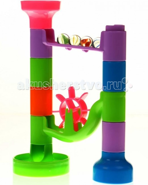Конструктор Tototoys Крутые виражи Marbulous Simplex 14 деталейКрутые виражи Marbulous Simplex 14 деталейTototoys Конструктор Крутые виражи Marbulous Simplex 14 деталей.  Первым шагом ребенка в мир конструирования объемных лабиринтов может стать игровой набор Tototoys Крутые виражи. Marbulous Simplex. Это две игры в одном! Вначале нужно соединит цветные детали, создавая интересный лабиринт для шариков, а затем смотреть, как шарики катятся по созданной трассе. Элементы конструктора, выполненные из пластика различной формы и цветов, позволят построить объемный лабиринт, по которому будут кататься шарики.   В комплекте имеются разноцветные дорожки-переходники, вертикальные трубки, мельница и игровые шарики. Всего в наборе 14 элементов, что дает различные варианты сборки и долгие часы игр. Шарики выполнены из прозрачного пластика с разными узорами. Занятия с такой игрушкой помогут малышу развить цветовое восприятие, воображение, концентрацию внимания и мелкую моторику рук. Диаметр шарика: 2 см. Материал: высококачественная пластмасса. Упаковка: коробка<br>