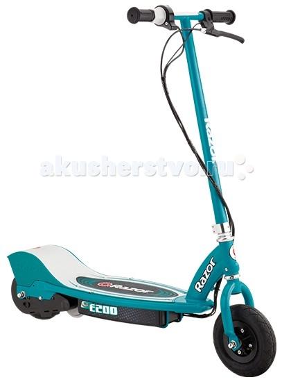 Самокат Razor E200 (электро)E200 (электро)Полноразмерный электросамокат для детей, в возрасте от 10 лет, который способен разгоняться до 19 км/час. Модель Е200 - это средний вариант между Е100 и Е300. Отличает его ряд преимуществ: небольшой вес, отличная скорость, надувные колёса, яркий дизайн.  Электросамокат Е200 - это экологически чистый вариант перемещения по городу, передвижение до школы или просто приятное время препровождение в парке в солнечный выходной день. Самокат выдержит как ребёнка, так и родителя, весом не более 70 кг., так что смело отправляйтесь компанией в парк, чтобы получить огромное количество исключительно положительный и ярких эмоций.  Особенности: От 10 лет Подходит детям ростом от 110 до 180 см. Вес электросамоката 18 кг. Максимальная нагрузка 70 кг. Максимальная скорость 19 км/час Время полной зарядки 6 часов До 50 минут непрерывного хода на полной зарядке Полностью стальная рама, руль и вилка Мощный мотор с цепным приводом и высоким крутящим моментом Накачиваемое переднее и заднее колесо (200 мм.) Ручной передний тормоз (регулируемый по силе) Подножка, для удобства парковки самоката Разбирается для удобного хранения и транспортировки Защищен от брызг и ударов Не требует сервисного обслуживания Требуется частичная сборка<br>