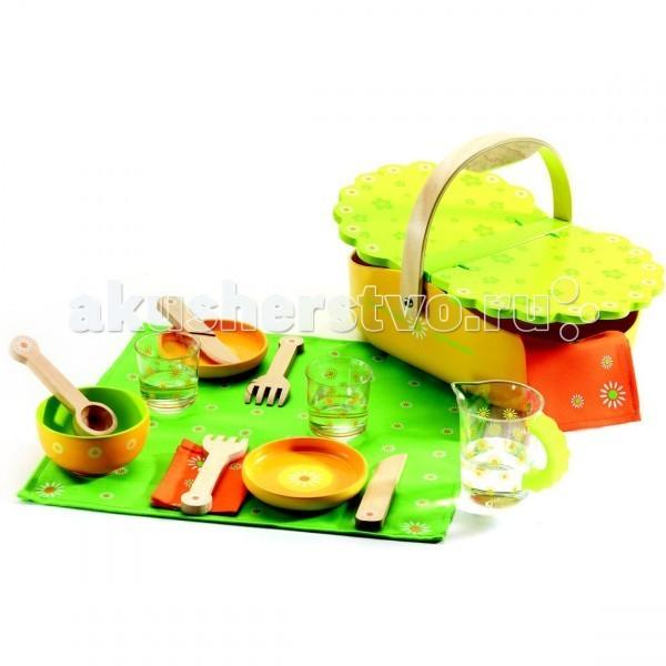 Деревянная игрушка Djeco Мой пикникМой пикникДеревянная игрушка Djeco Мой пикник - станет прекрасным подарком для детей от четырех лет.  Набор выполнен в весенних зелено-оранжевых тонах с узором в виде маргариток, все детали кроме кувшина со стаканами изготовлены из дерева приятного на ощупь.   В наборе:  скатерть 2 салфетки кувшин 2 стакана 2 тарелки салатная миска 2 вилки 2 ножа ложка.<br>