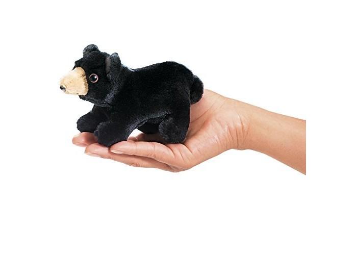 Folkmanis Мягкая игрушка на палец МедведьМягкая игрушка на палец МедведьFolkmanis Мягкая игрушка на палец Медведь  Особенности: Мягкая игрушка на палец Folkmanis puppets - это целая коллекция замечательных мягких игрушек - марионеток, созданная американской семейной мануфактурой.  Дизайн игрушек этой марки признан уникальным: исключительно натуралистический вид и трогательные сюжеты обеспечили коллекции продолжительный успех в США, странах Европы и России.  Все куклы созданы из экологически чистых материалов.  Игрушки Folkmanis могут быть не только обычной мягкой игрушкой, но и участниками кукольного представления.  С помощью этих игрушек дети знакомятся с окружающим миром, расширяют кругозор, развивают воображение, моторику рук.  Возможна бережная ручная стирка.<br>