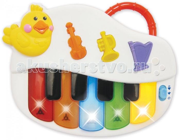 Музыкальная игрушка Kiddieland ПианиноПианиноРазвивающая музыкальная игрушка «Пианино» Kiddieland 051383.  Маленьким музыкантам придется по вкусу это яркое и веселое пианино!   Оно оснащено 5 разноцветными и 4 черными клавишами. А еще на панели пианино имеются 3 кнопочки, нажав на которые, можно переключаться между режимами музыкальных инструментов.   Во время игры на клавишах мигают лампочки. Чтобы маленькой детской руке было удобно держать пианино, на него установлена ручка.   Эта замечательная игрушка поможет ребенку в развитии логики, музыкального слуха и творческого мышления.  Требуются 2 батарейки стандарта LR6 АА 1.5V (входят в комплект).  Размер игрушки: 24 х 4 х 19 см.<br>